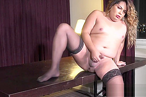 Scorching shemale jerks off in horny stockings